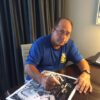 Johnny Bench signing with Kids
